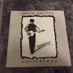 "TRACY CHAPMAN - CROSSROAD. (NEAR MINT 7"" SINGEL)"