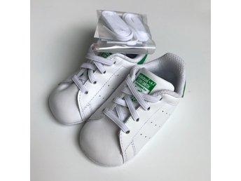 ff5d676b133 Helt nya Adidas vita babyskor, Stan Smith Crib,.. (349449477) ᐈ Köp ...