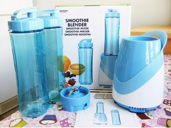 Ny! Smoothie blender + 2 flaskor! Biltema art.nr. 84-1008