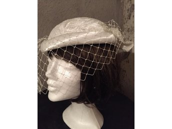 Hat/Fascinator for Wedding or Parties/ Hårdekoration med flor
