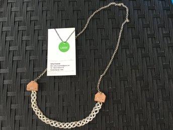Halsband ᐈ Köp Halsband online på Tradera • 29 545 annonser 7be5fa31185ea