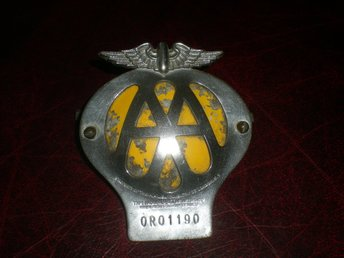 AA Automobile Association Car Badge Emblem Vintage / 0R01190