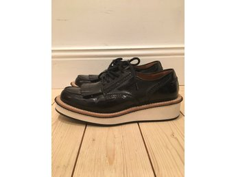 Givenchy lack loafers size 39