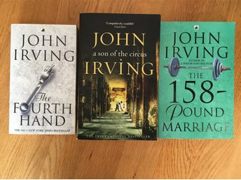 Javascript är inaktiverat. - Ekerö - Paket med tre pocketböcker av John Irving på originalspråk, alltså på engelska FInt begagnat skick! Böckernas framsida har storlek varierar mellan 10,5 x 17,5 samt 19,5 x 12,5 cm Vikt tillsammans: 860 g De titlar som ingår är: * The fourt - Ekerö