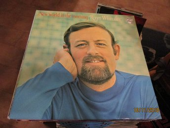 ROGER WHITTAKER - NEW WORLD IN THE MORNING - LP
