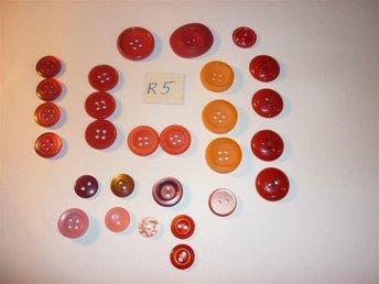28 styck röda , orange och rosa knappar(olika nyanser) 10mm till 20mm - Flen - 28 styck röda , orange och rosa knappar(olika nyanser) 10mm till 20mm - Flen