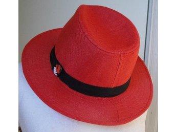 Chic snygg röd hatt från Redhat (307097267) ᐈ Köp på Tradera b7c9617014b0b