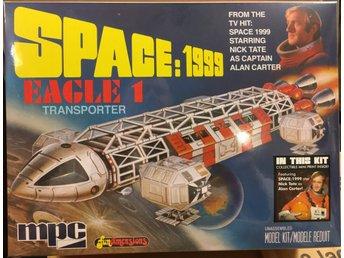 Javascript är inaktiverat. - Mantorp - SPACE 1999 EAGLE 1 TRANSPORTER 1/72 MPC Byggsats Modellen krävs verktyg, lim och eventuellt färg Ingen avhämtning - Mantorp
