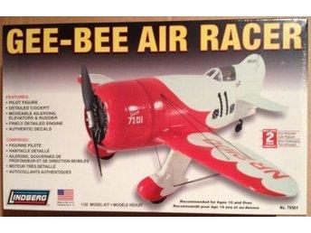 Javascript är inaktiverat. - Mantorp - GEE-BEE AIR RACER 1/32 Lindberg Byggsats Modellen krävs verktyg, lim och eventuellt färg Ingen avhämtning - Mantorp