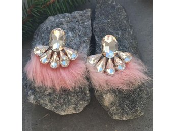 Pinkpuff earrings fina örhängen strass fest smycken #ploypailin