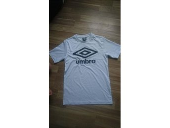 Umbro sport t-shirt KORT AUKTION
