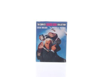 Javascript är inaktiverat. - Stockholm - DVD-Filmer, Modell: The complete Naked Gun collectionVaran är ny i originalförpackning / med lapp kvar. Skick: Varan säljs i befintligt skick och endast det som syns på bilderna ingår om ej annat anges. Vi värderar samtliga varor och ger - Stockholm