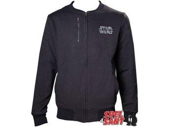 Javascript är inaktiverat. - Norrtälje - Officiellt licensierad Star Wars Jacka med vändart motiv på svart Jacka i storlek Large. Fabric: 55% Polyester 45% Bomull - Norrtälje