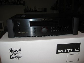 Rotel RSP-1068 försteg svart mint condition