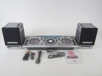 NY!!!!!! DJ MIXER WITH DUAL CD PLAYER AND SCRATCH PAD   Includes 6 sound effects