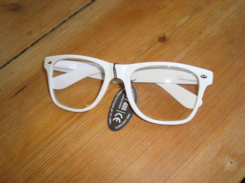 Retro Style Glasögon med klart glas, vit båge - ängelholm - Retro Style Glasögon med klart glas, vit båge - ängelholm