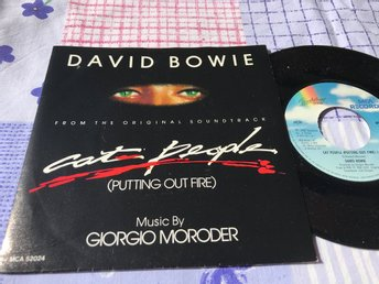 "DAVID BOWIE - PUTTING OUT FIRE 7"" 1982 CAT PEOPLE"