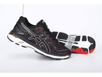 Asics strl 45 GEL KAYANO 23 träningsskor Nya black with red