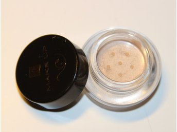 FM Mineral Loose Eyeshadow C041 Milk Shake
