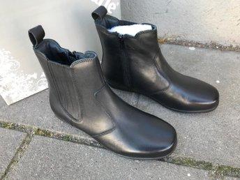 Boots från Sköna Marie i strl 39 nu 449kr ord 1200kr