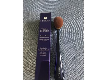 By Terry Soft-Buffer Foundation Brush