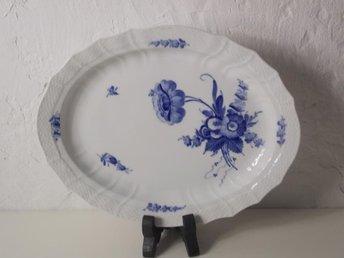 Kunglig Dansk Blå Blomst / Blomster -Uppläggningsfat 41cm - 10/1557 - Köping - Kunglig Dansk Blå Blomst / Blomster -Uppläggningsfat 41cm - 10/1557 - Köping