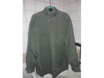 skjorta .herr. militär grön. (332096341) ᐈ Köp på Tradera fe441c337594c