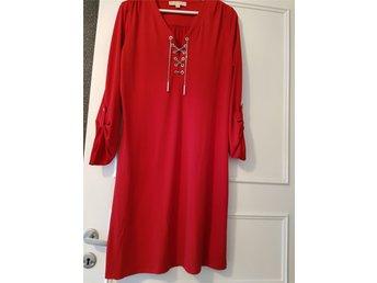 Michael Kors klänning strl M (329855363) ᐈ Köp på Tradera b39b9691f7f8e