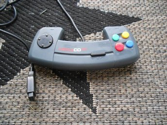 COMMODORE AMIGA CD 32 KONTROLL