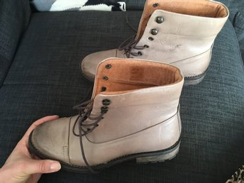 Helt nya läder boots, strl 39 (38), äkta skinn, beige, made in Portugal, Pieces