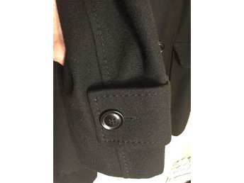 Mkt fin halv lång svart kappa stl 44 - Vara - Mkt fin halv lång svart kappa stl 44 - Vara
