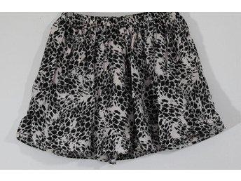 GAP, kjol, vit/svart mönstrad med vidd/resår, st 14-16 år - Landskrona - GAP, kjol, vit/svart mönstrad med vidd/resår, st 14-16 år - Landskrona