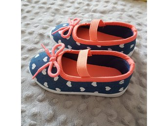 Beautiful shoes for little princess size 22