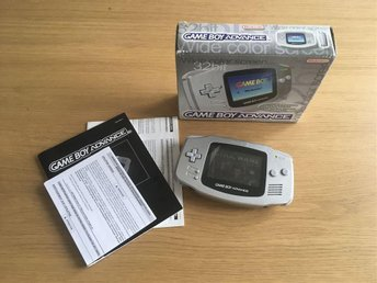 Game Boy Advance Limited Edition Platinum + Star Wars spel