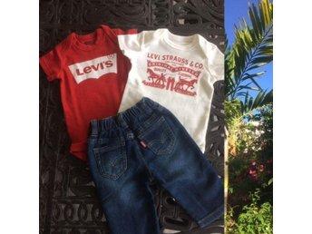 LEVIS SET. Jeans 2 Sparkräkter, Stl. 0-6 mån. ca. 62/68, BABYSHOWER, Nytt! - Miami - LEVIS SET. Jeans 2 Sparkräkter, Stl. 0-6 mån. ca. 62/68, BABYSHOWER, Nytt! - Miami