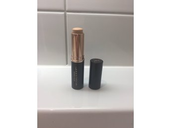 Anastasia foundation stick