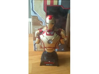 Ironman limited edition collection bust från Hot toys.