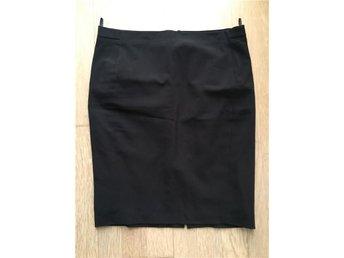 Benetton svart kjol, str 38/40, midjemått 84 cm, NYSKICK! - Huddinge - Benetton svart kjol, str 38/40, midjemått 84 cm, NYSKICK! - Huddinge