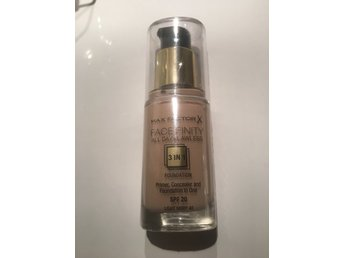 Ny Oöppnad Miracle match foundation Ljus nyans! 40 Ligth Ivory