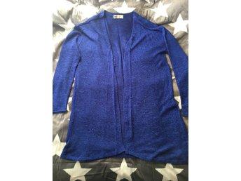 Blå finstickad kofta cardigan storlek 170 small från HM H&M mode vår