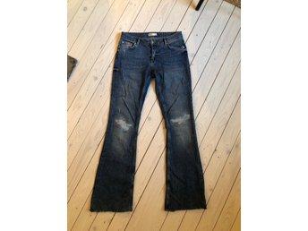 f98bc0a41337 Bootcut jeans i stretch med slitna knän, 38 (349063821) ᐈ Köp på ...