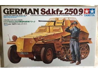 (TAMIYA , 1/35skala, Serie NO 115) German Sd.kfz.250/9