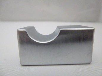 25 knoppar i stram rostfri finish, längd 35 mm, bredd 18 mm. - Norrtälje - 25 knoppar i stram rostfri finish, längd 35 mm, bredd 18 mm. - Norrtälje