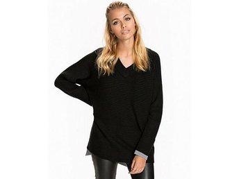 Sporty V-neck pullover i ull från Filippa K, strl S (NY - med prislapp) - Sollentuna - Sporty V-neck pullover i ull från Filippa K, strl S (NY - med prislapp) - Sollentuna