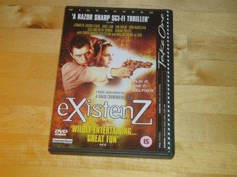 eXistenZ (Sci-fi från David Cronenberg med Jude Law) - engelsk text - Tanumshede - eXistenZ (Sci-fi från David Cronenberg med Jude Law) - engelsk text - Tanumshede