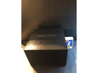 Kanon Georg Jensen. Kartong för klocka. Present, låda.. (363911636) ᐈ AI-04