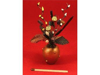 Entré Välkomsväxt lotus växter miniatyr dockskåp skala 1:12 - Vallentuna - Entré Välkomsväxt lotus växter miniatyr dockskåp skala 1:12 - Vallentuna