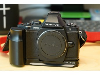 Olympus OM-D E-M5 Mirrorless System Camera Body for M4/3.