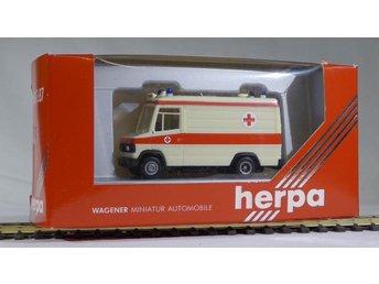 Herpa H0 1:87 nr 4121 Mercedes ambulans - Halmstad - Herpa H0 1:87 nr 4121 Mercedes ambulans - Halmstad