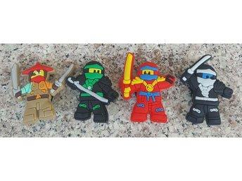 Lego Ninjago skosmycken/ crocs - Kista - Lego Ninjago skosmycken/ crocs - Kista
